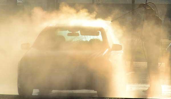Umyvanie auta na priamom slnku